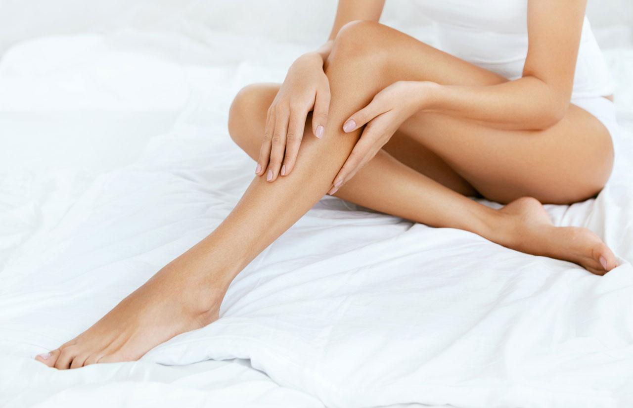pürüzsüz kadın bacakları