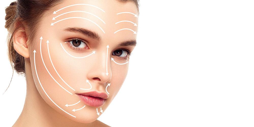 Ameliyatsız yüz germeyi gösteren ve oklar içeren bir kadın yüzü